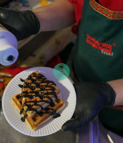 Венские вафли в шоколаде, выездной кейтеринг на Масленицу и 8 марта