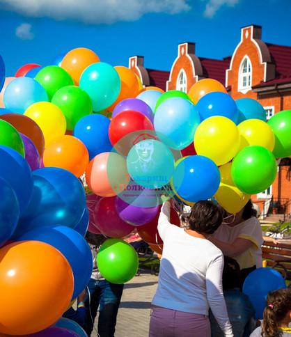украшение шарами, доставка шаров в Москве